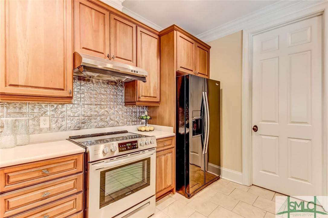 14. Residential for Sale at 24 Dockside Drive 24 Dockside Drive Savannah, Georgia 31410 United States