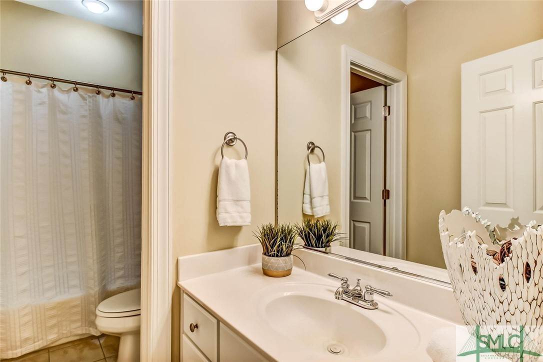 27. Residential for Sale at 24 Dockside Drive 24 Dockside Drive Savannah, Georgia 31410 United States