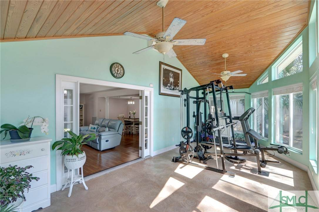 15. Residential for Sale at 7103 Tropical Way 7103 Tropical Way Savannah, Georgia 31410 United States
