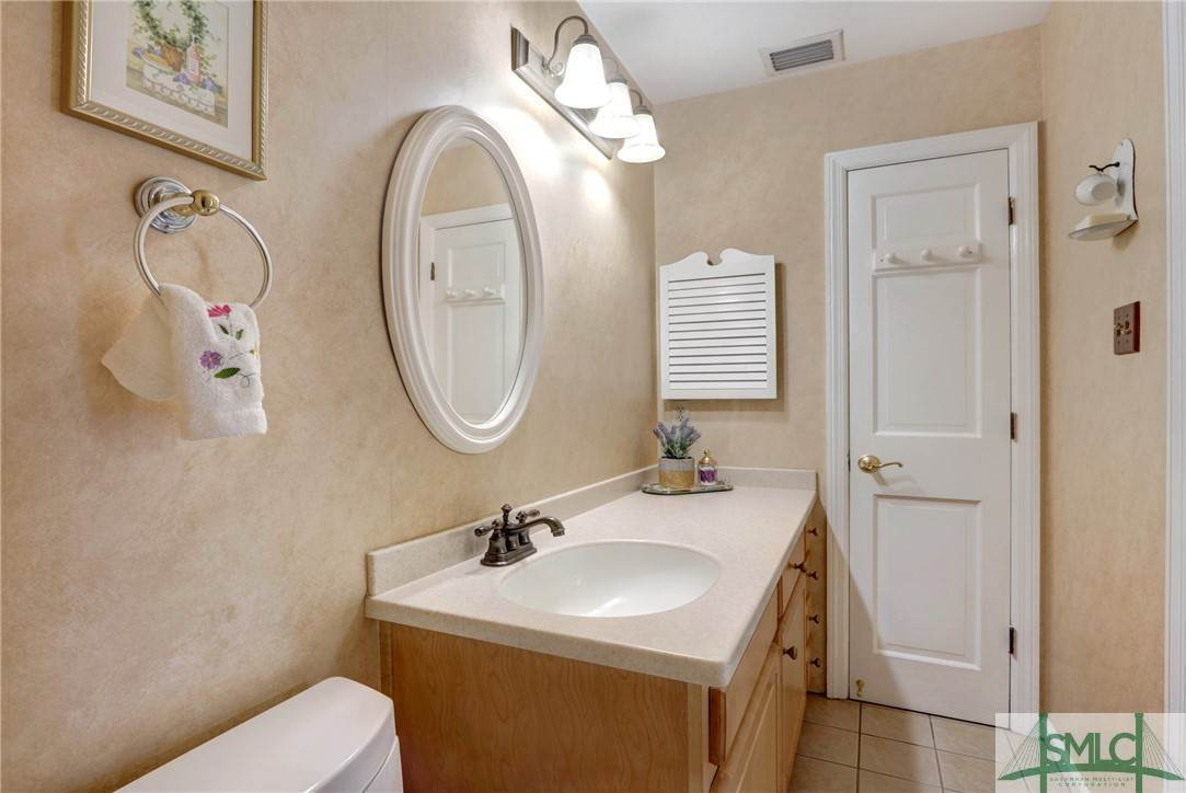 25. Residential for Sale at 7103 Tropical Way 7103 Tropical Way Savannah, Georgia 31410 United States