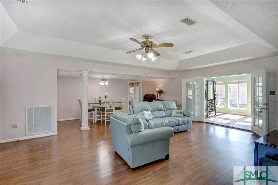 4. Residential for Sale at 7103 Tropical Way 7103 Tropical Way Savannah, Georgia 31410 United States