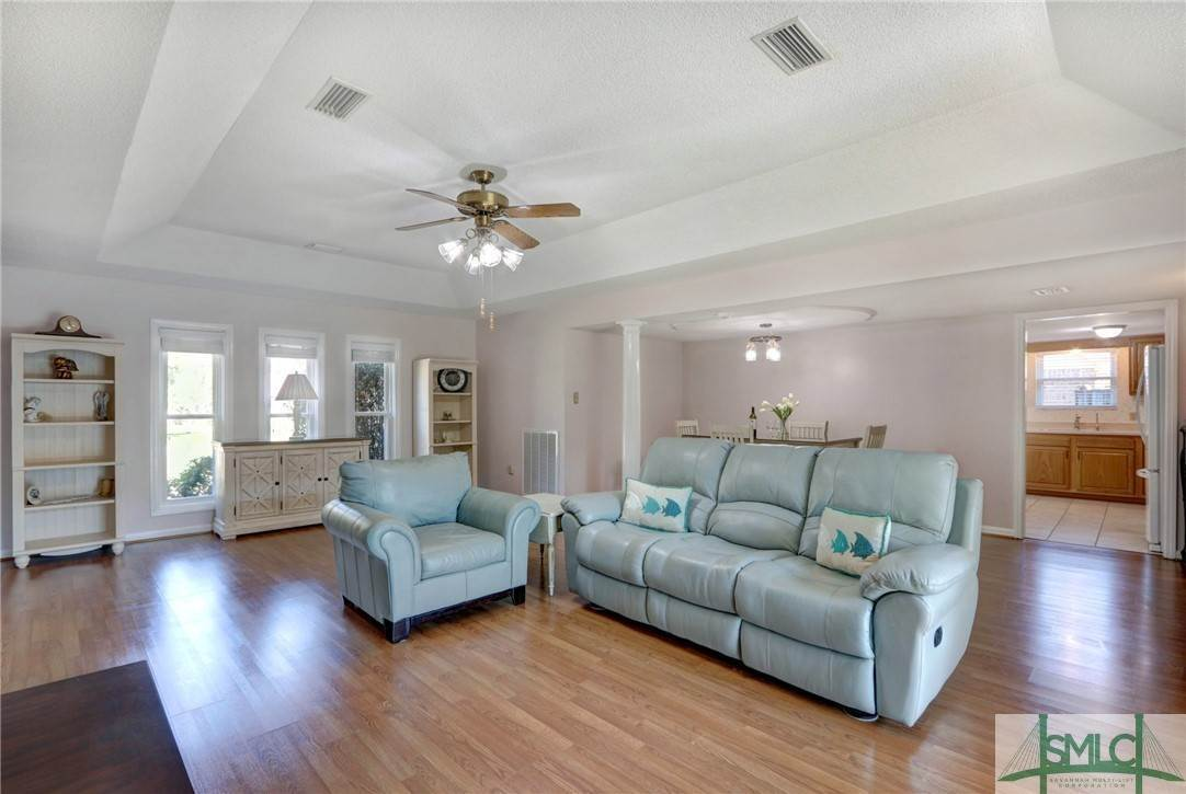 6. Residential for Sale at 7103 Tropical Way 7103 Tropical Way Savannah, Georgia 31410 United States