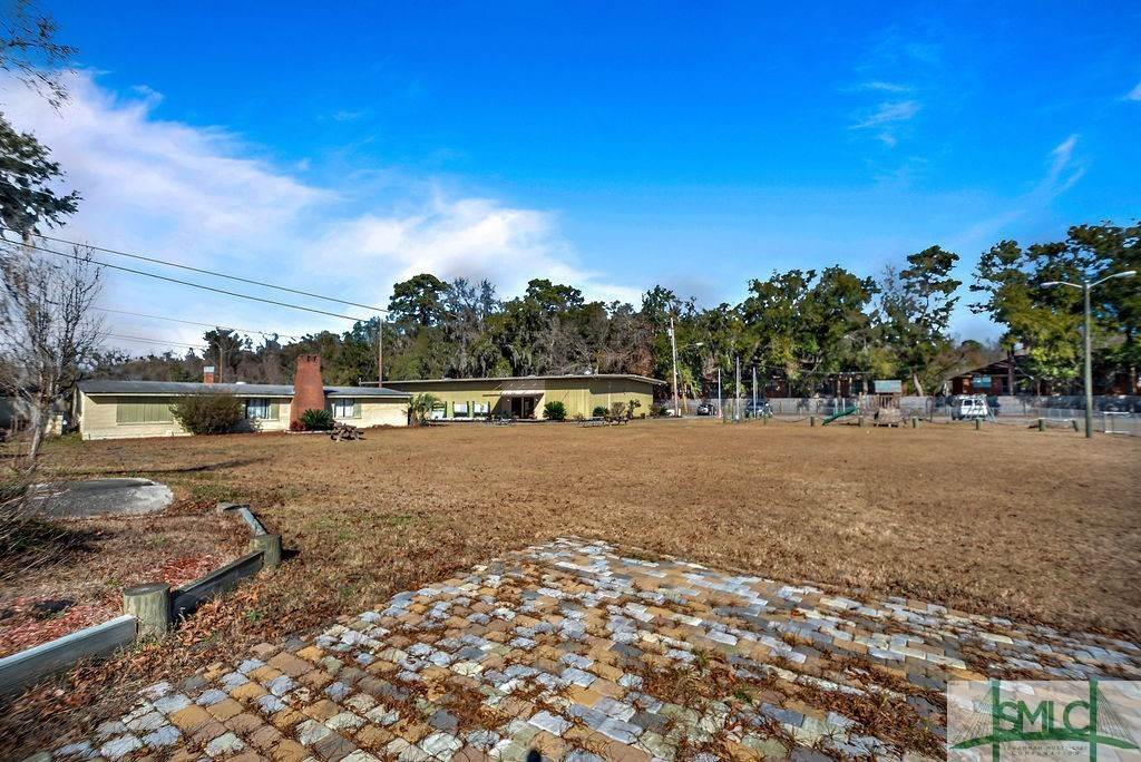 18. Residential Income for Sale at 700 Christopher Drive 700 Christopher Drive Savannah, Georgia 31406 United States