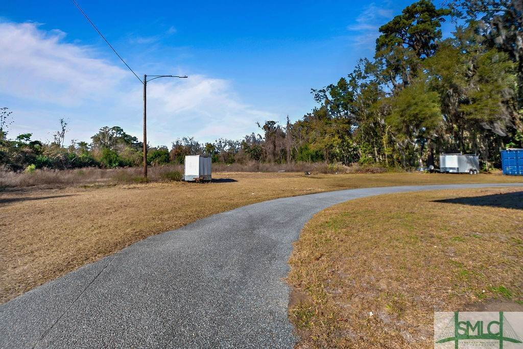 9. Residential Income for Sale at 700 Christopher Drive 700 Christopher Drive Savannah, Georgia 31406 United States