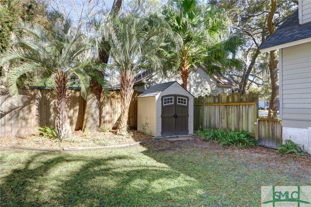 12. Residential for Sale at 104 S Sheftall Circle 104 S Sheftall Circle Savannah, Georgia 31410 United States