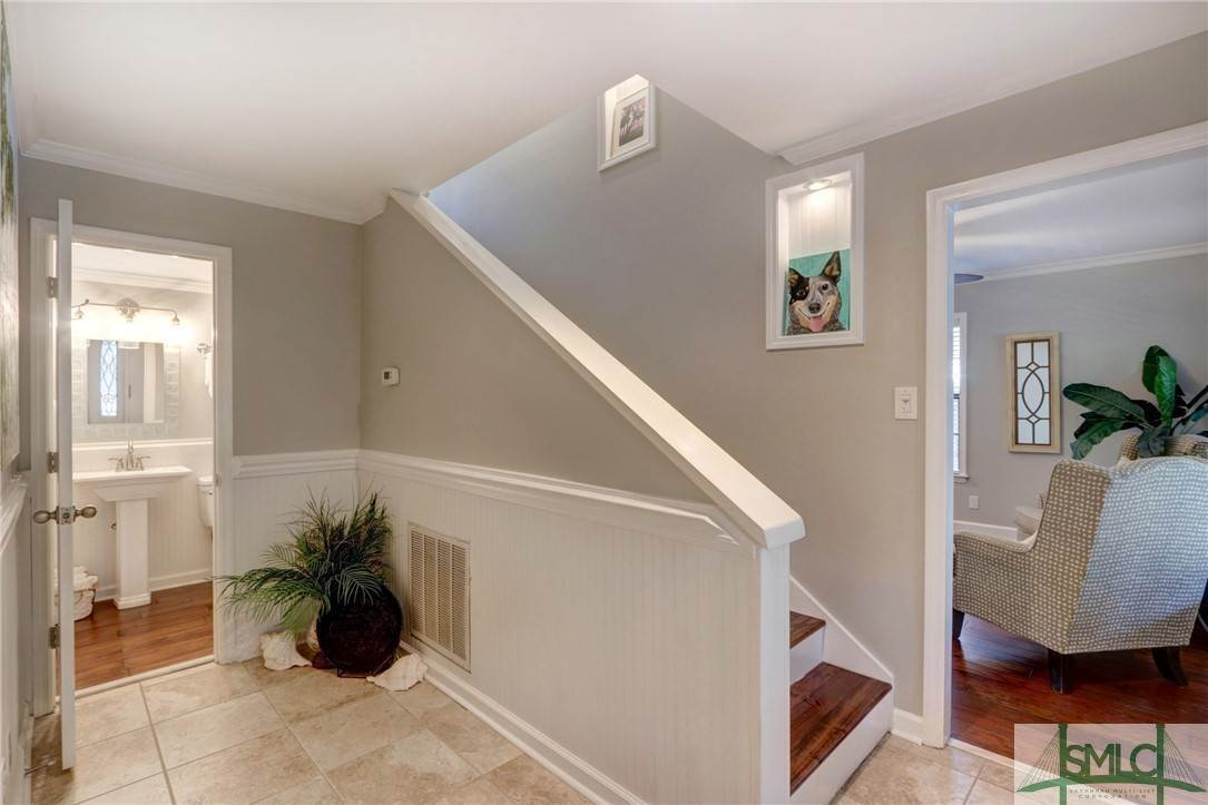 14. Residential for Sale at 104 S Sheftall Circle 104 S Sheftall Circle Savannah, Georgia 31410 United States