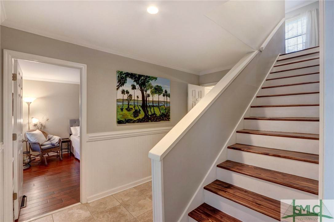 15. Residential for Sale at 104 S Sheftall Circle 104 S Sheftall Circle Savannah, Georgia 31410 United States