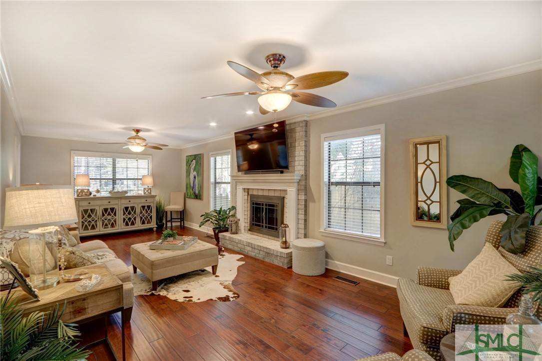 16. Residential for Sale at 104 S Sheftall Circle 104 S Sheftall Circle Savannah, Georgia 31410 United States