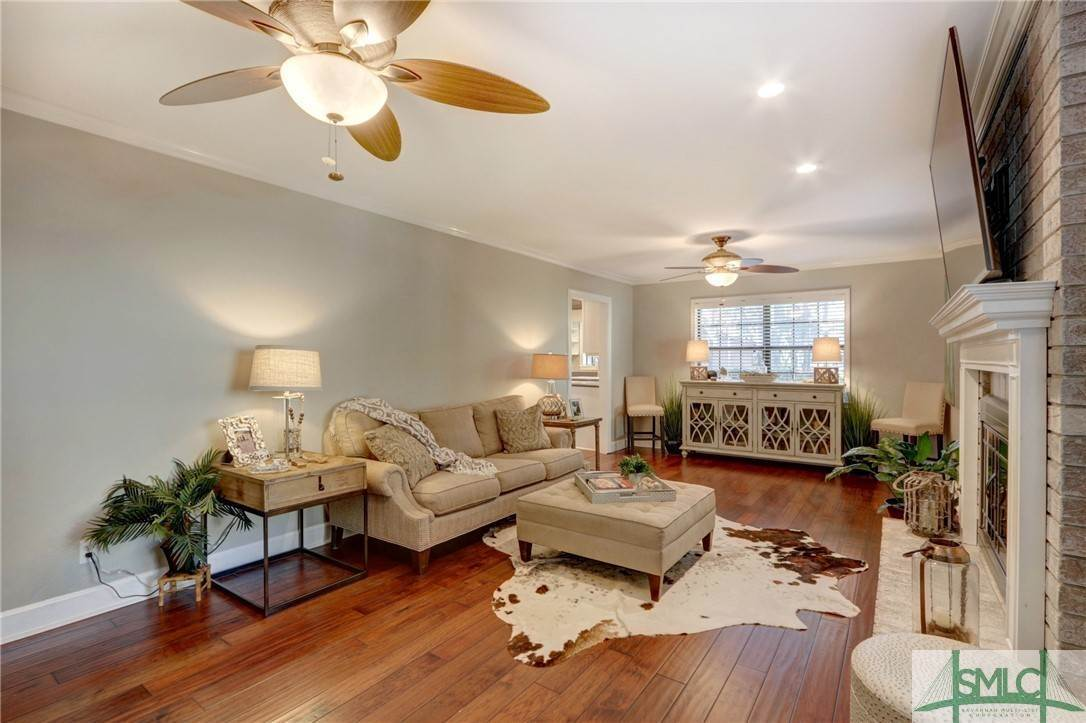 18. Residential for Sale at 104 S Sheftall Circle 104 S Sheftall Circle Savannah, Georgia 31410 United States