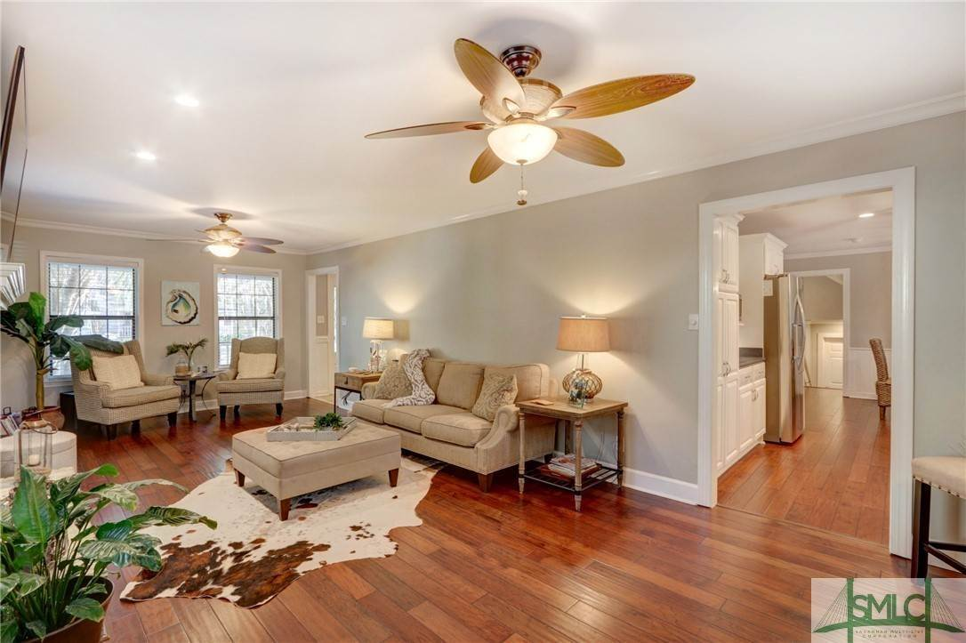 19. Residential for Sale at 104 S Sheftall Circle 104 S Sheftall Circle Savannah, Georgia 31410 United States