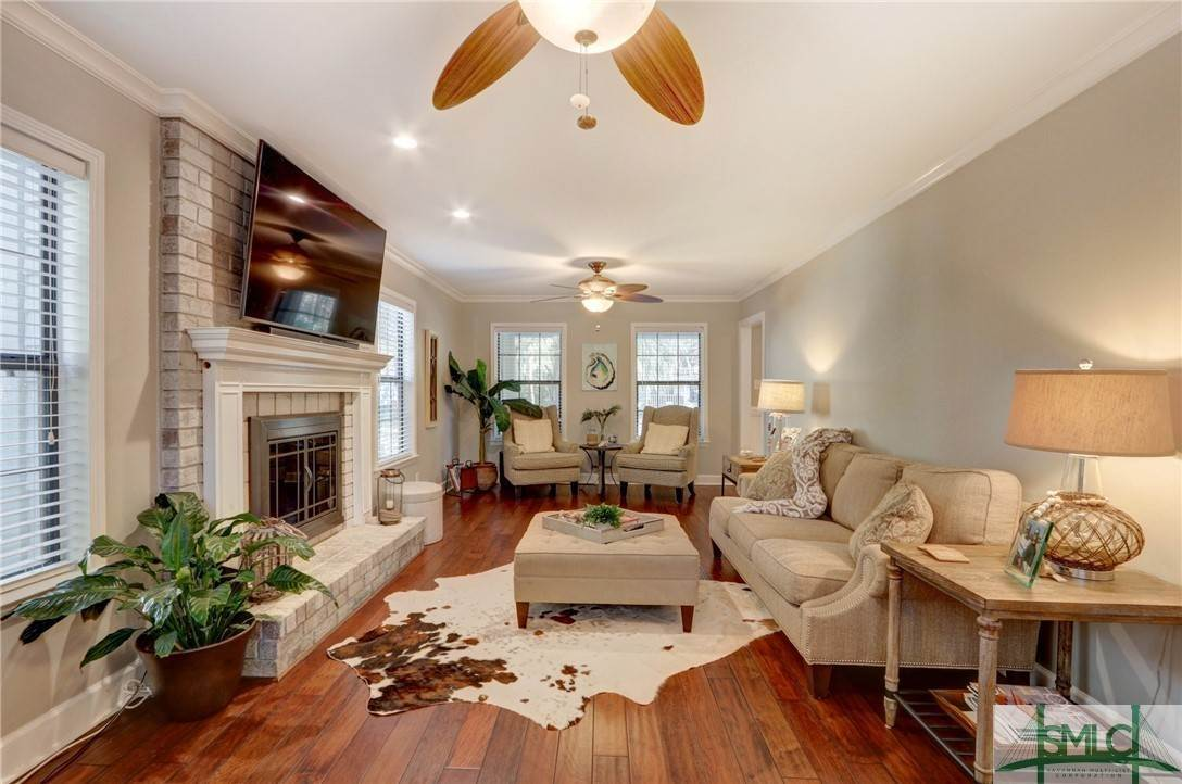 20. Residential for Sale at 104 S Sheftall Circle 104 S Sheftall Circle Savannah, Georgia 31410 United States