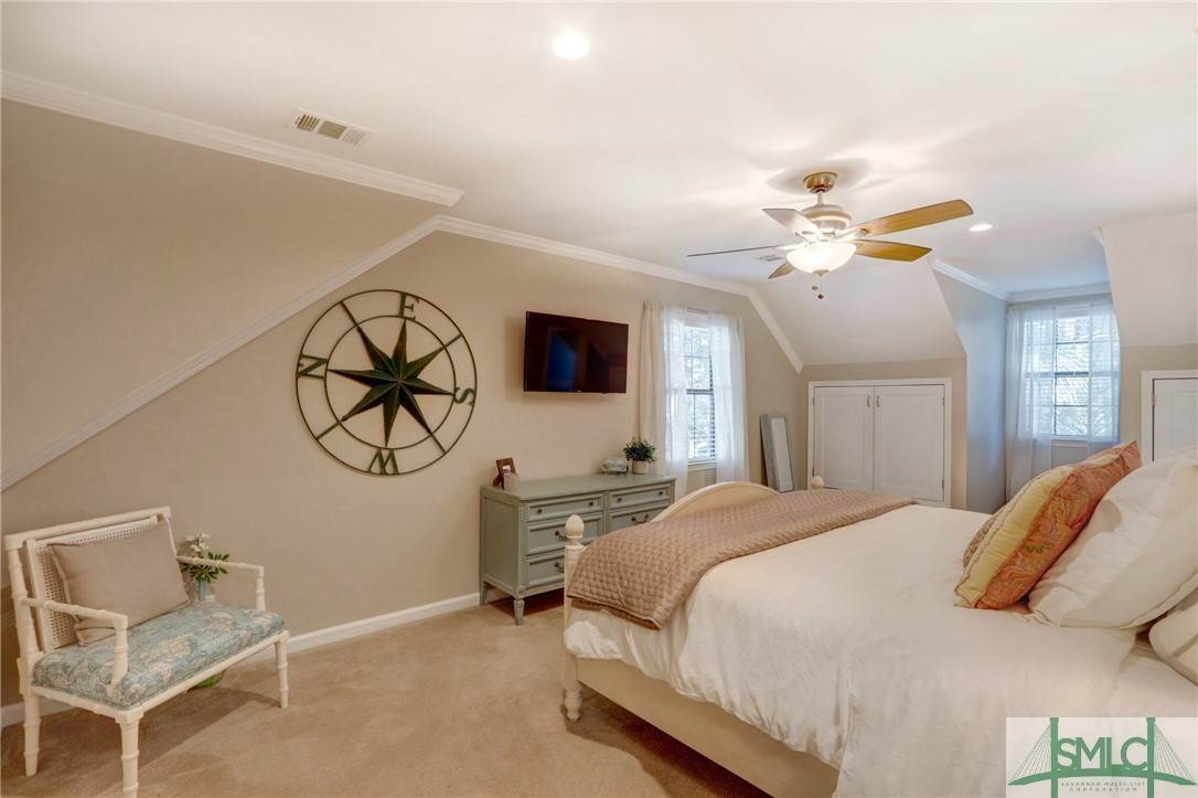 33. Residential for Sale at 104 S Sheftall Circle 104 S Sheftall Circle Savannah, Georgia 31410 United States