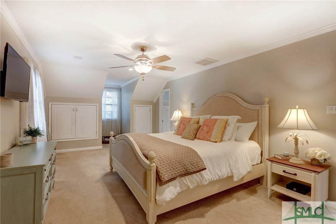 34. Residential for Sale at 104 S Sheftall Circle 104 S Sheftall Circle Savannah, Georgia 31410 United States
