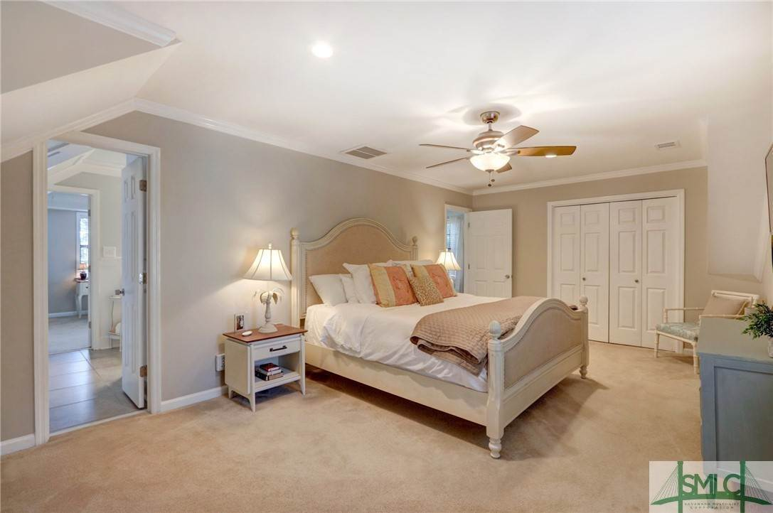 35. Residential for Sale at 104 S Sheftall Circle 104 S Sheftall Circle Savannah, Georgia 31410 United States