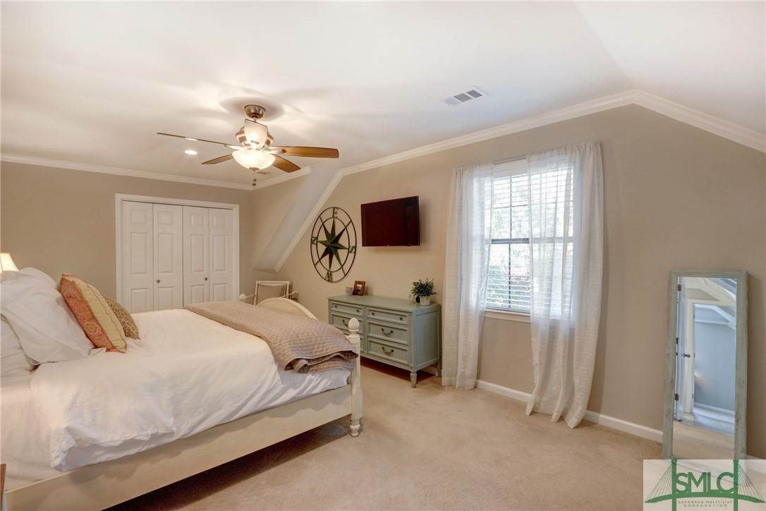 36. Residential for Sale at 104 S Sheftall Circle 104 S Sheftall Circle Savannah, Georgia 31410 United States