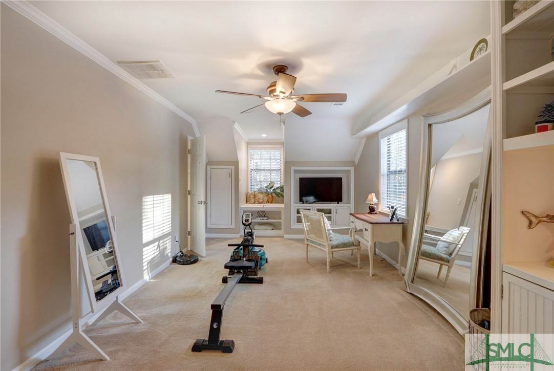 38. Residential for Sale at 104 S Sheftall Circle 104 S Sheftall Circle Savannah, Georgia 31410 United States