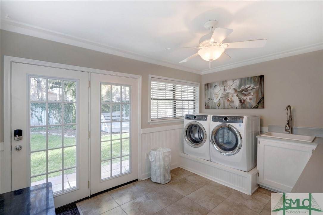 41. Residential for Sale at 104 S Sheftall Circle 104 S Sheftall Circle Savannah, Georgia 31410 United States