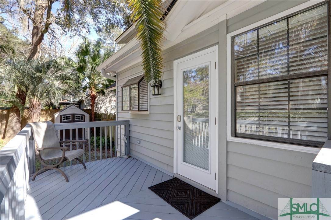 6. Residential for Sale at 104 S Sheftall Circle 104 S Sheftall Circle Savannah, Georgia 31410 United States