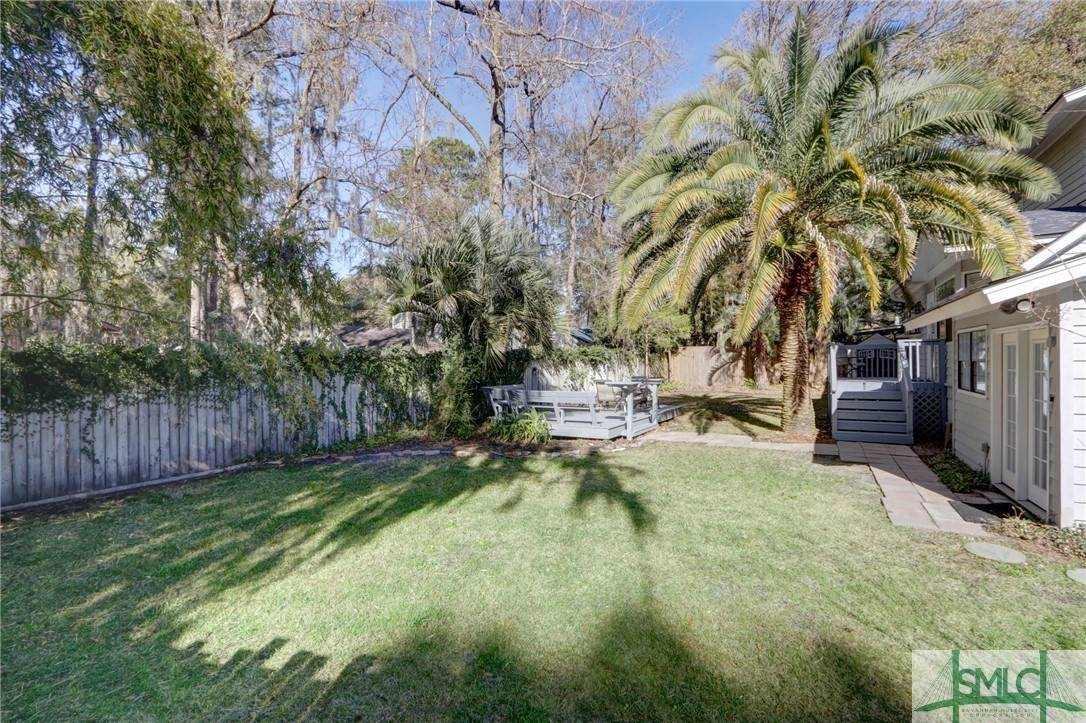7. Residential for Sale at 104 S Sheftall Circle 104 S Sheftall Circle Savannah, Georgia 31410 United States