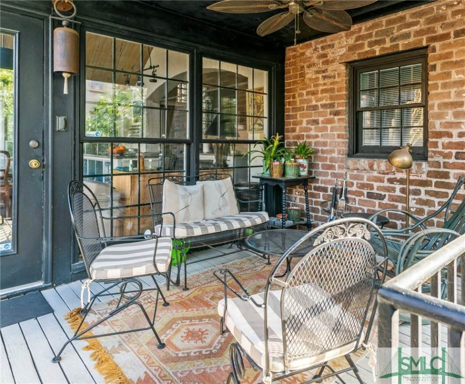 10. Residential for Sale at 304 E Gaston Street 304 E Gaston Street Savannah, Georgia 31401 United States