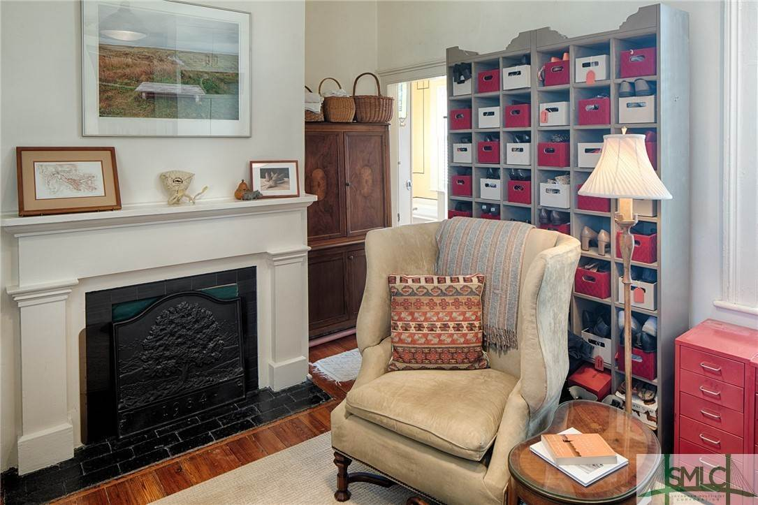 29. Residential for Sale at 304 E Gaston Street 304 E Gaston Street Savannah, Georgia 31401 United States