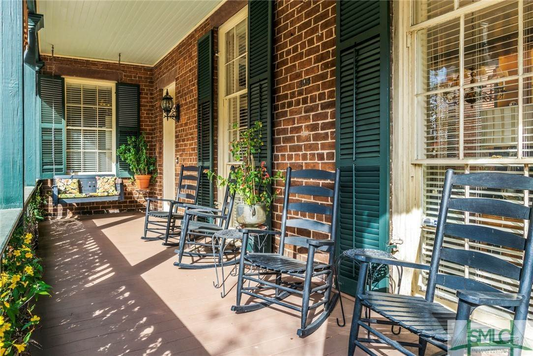 6. Residential for Sale at 304 E Gaston Street 304 E Gaston Street Savannah, Georgia 31401 United States