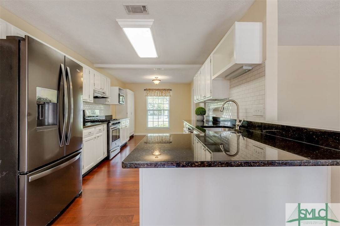 12. Residential for Sale at 103 S Paxton Drive 103 S Paxton Drive Savannah, Georgia 31406 United States