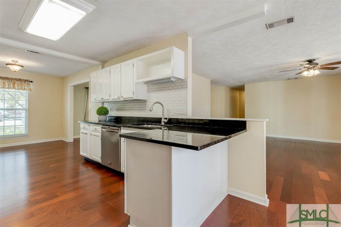 13. Residential for Sale at 103 S Paxton Drive 103 S Paxton Drive Savannah, Georgia 31406 United States