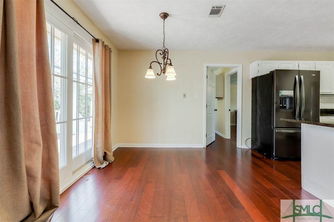 16. Residential for Sale at 103 S Paxton Drive 103 S Paxton Drive Savannah, Georgia 31406 United States