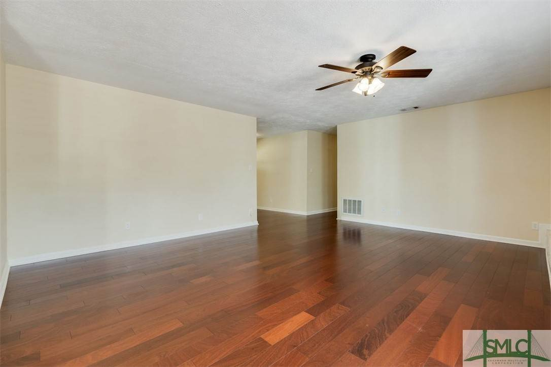 17. Residential for Sale at 103 S Paxton Drive 103 S Paxton Drive Savannah, Georgia 31406 United States