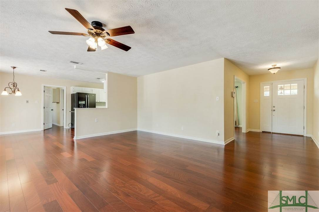 20. Residential for Sale at 103 S Paxton Drive 103 S Paxton Drive Savannah, Georgia 31406 United States