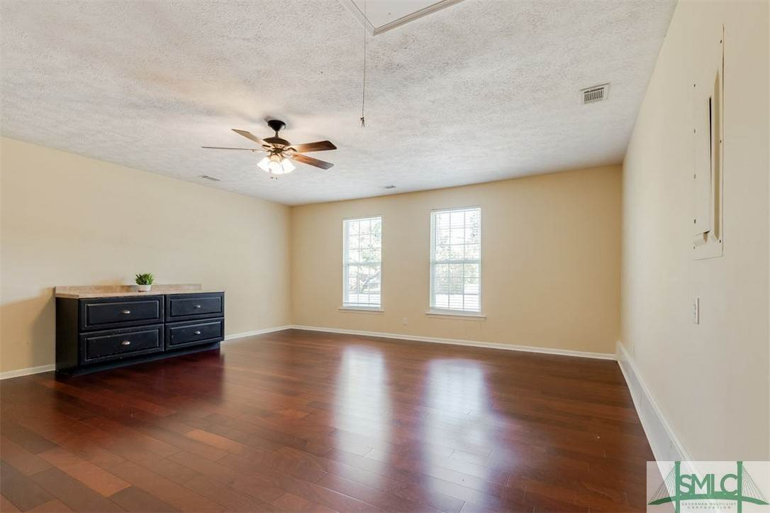 22. Residential for Sale at 103 S Paxton Drive 103 S Paxton Drive Savannah, Georgia 31406 United States