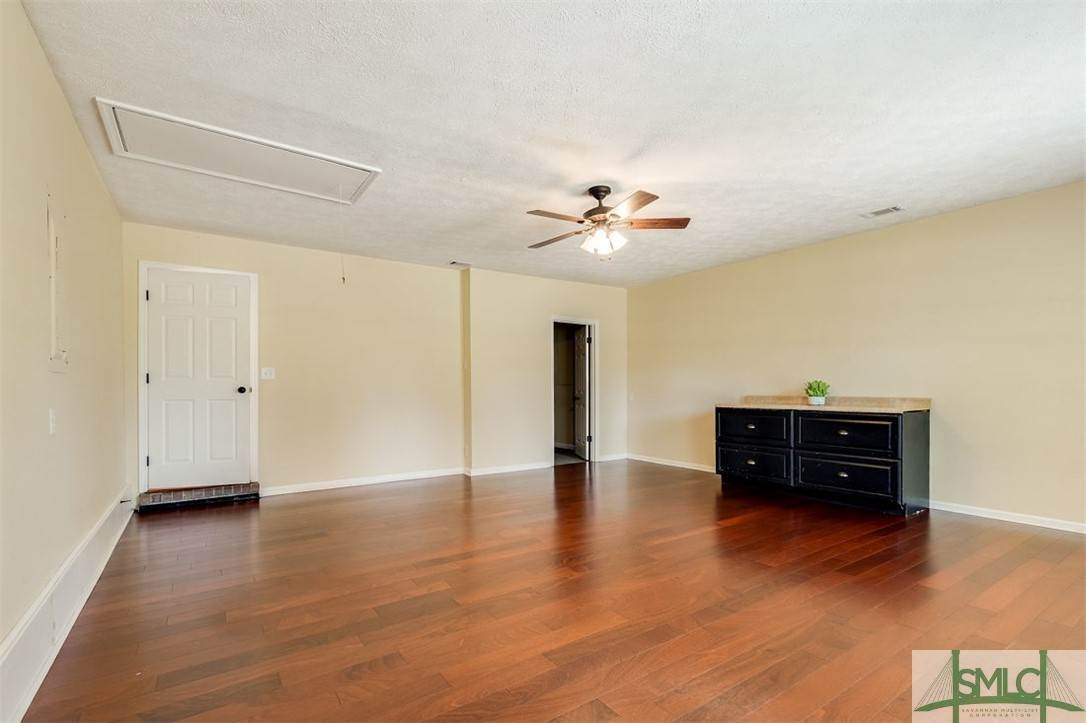 23. Residential for Sale at 103 S Paxton Drive 103 S Paxton Drive Savannah, Georgia 31406 United States