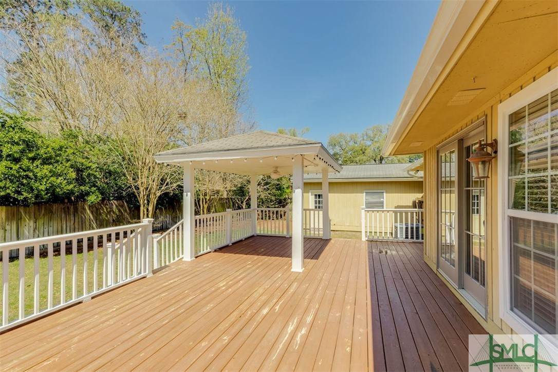36. Residential for Sale at 103 S Paxton Drive 103 S Paxton Drive Savannah, Georgia 31406 United States