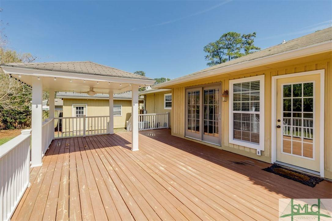 37. Residential for Sale at 103 S Paxton Drive 103 S Paxton Drive Savannah, Georgia 31406 United States