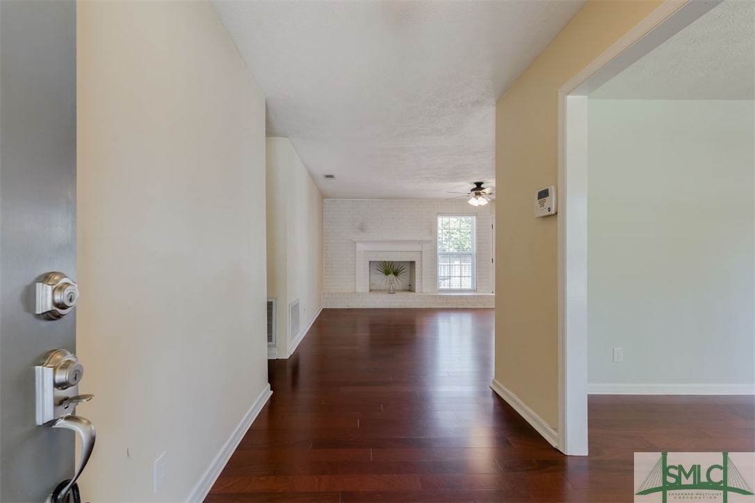 5. Residential for Sale at 103 S Paxton Drive 103 S Paxton Drive Savannah, Georgia 31406 United States