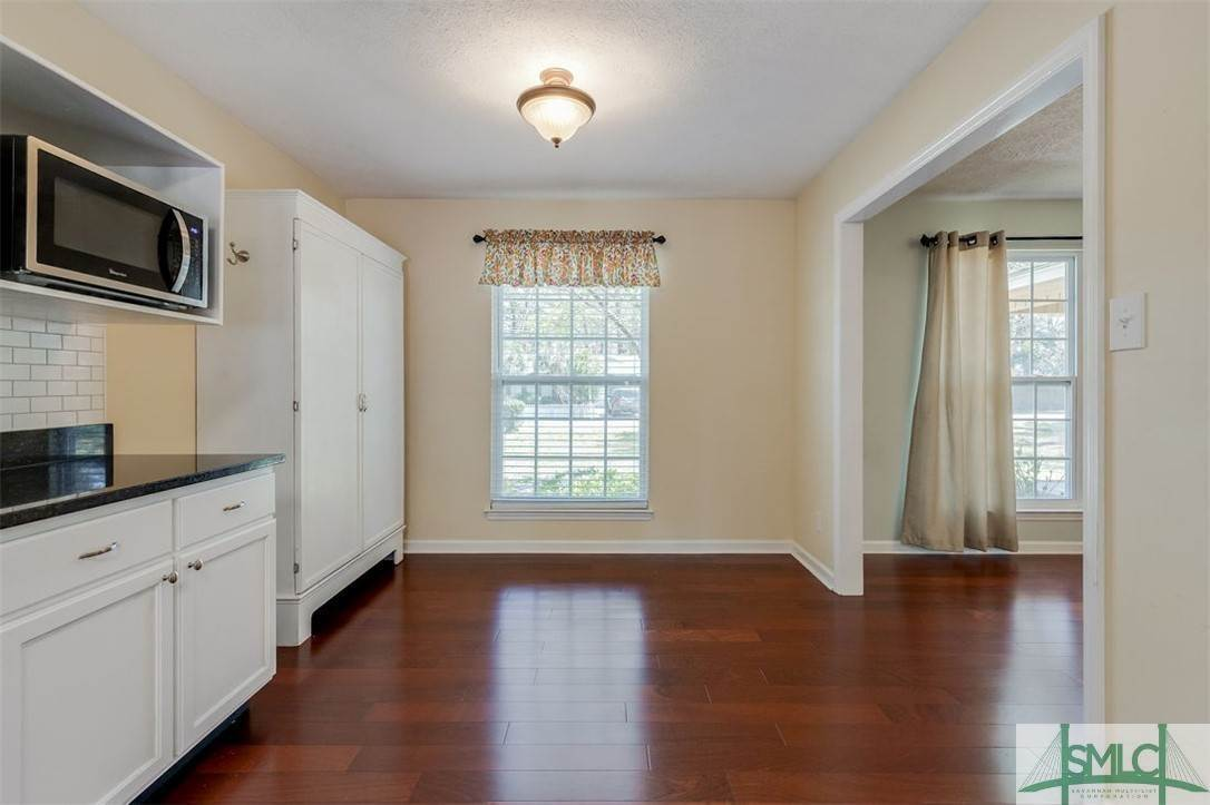 8. Residential for Sale at 103 S Paxton Drive 103 S Paxton Drive Savannah, Georgia 31406 United States