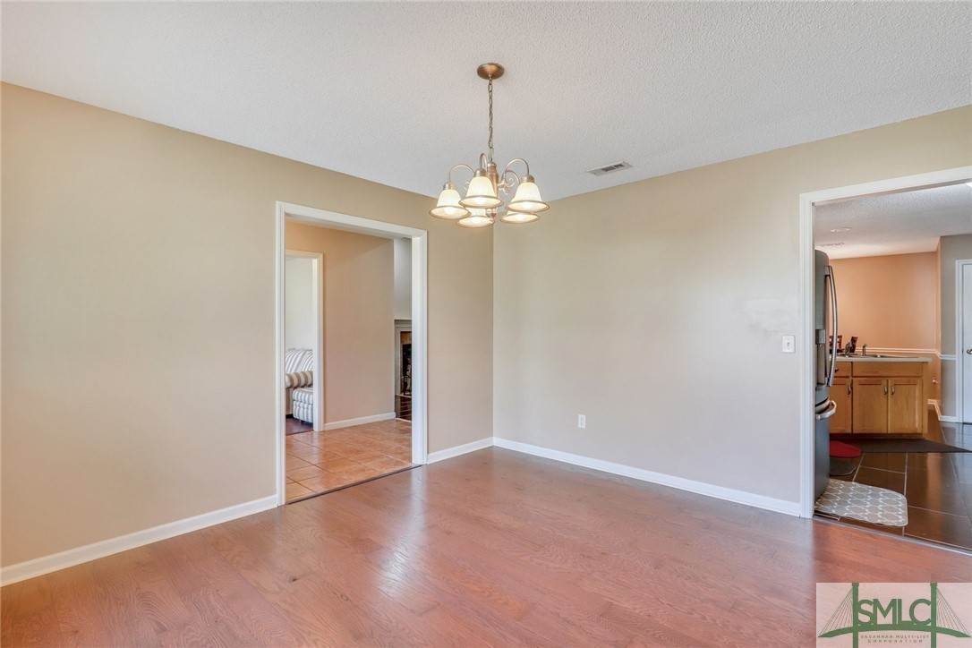 12. Residential for Sale at 306 Camden Court 306 Camden Court Hinesville, Georgia 31313 United States