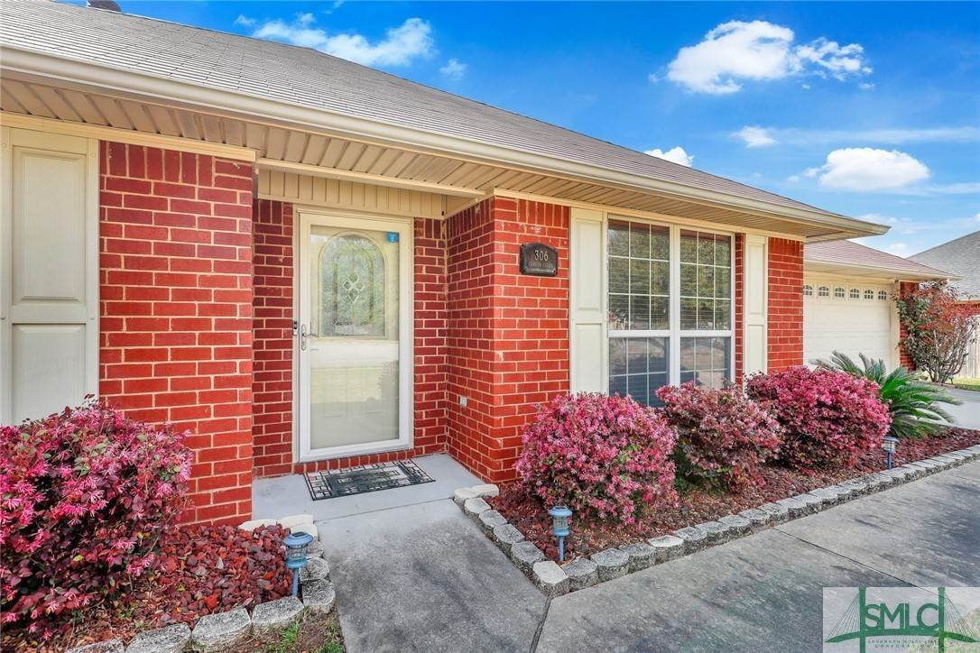 6. Residential for Sale at 306 Camden Court 306 Camden Court Hinesville, Georgia 31313 United States