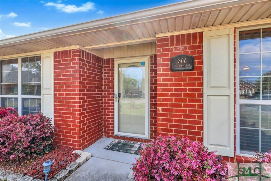 7. Residential for Sale at 306 Camden Court 306 Camden Court Hinesville, Georgia 31313 United States