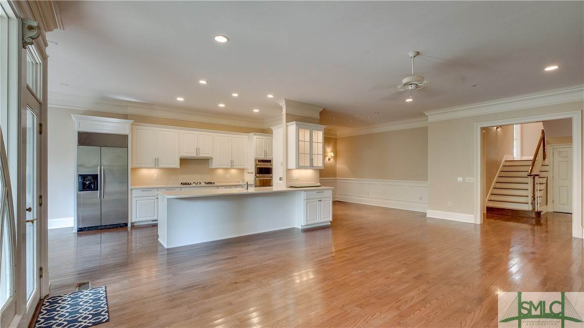 10. Residential for Sale at 67 Palmer Boulevard 67 Palmer Boulevard Savannah, Georgia 31410 United States