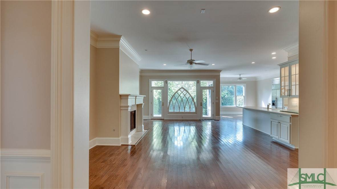 5. Residential for Sale at 67 Palmer Boulevard 67 Palmer Boulevard Savannah, Georgia 31410 United States