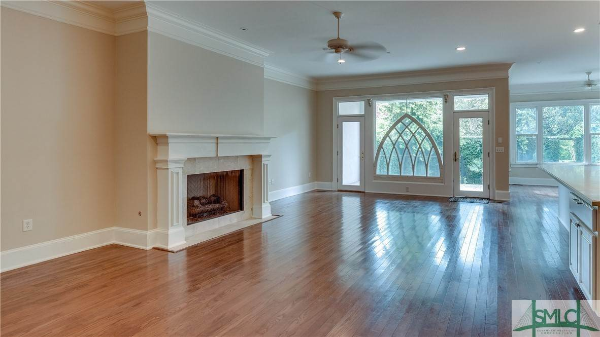 7. Residential for Sale at 67 Palmer Boulevard 67 Palmer Boulevard Savannah, Georgia 31410 United States