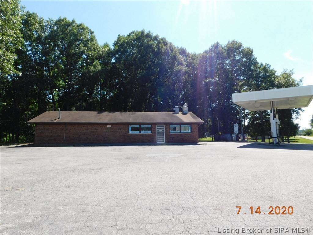 Commercial for Sale at 372 W Vincennes Trail Pekin, Indiana 47165 United States