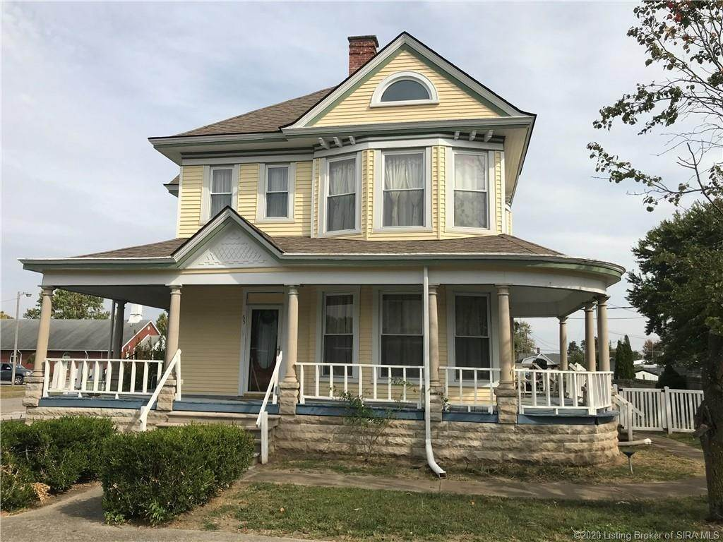 Single Family Homes por un Venta en 65 N Perry Street Medora, Indiana 47260 Estados Unidos