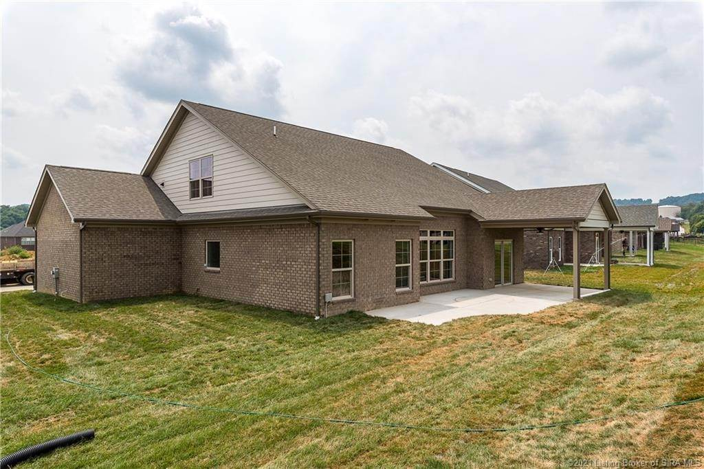 10. Single Family Homes for Sale at 7008 Equine Avenue Sellersburg, Indiana 47172 United States
