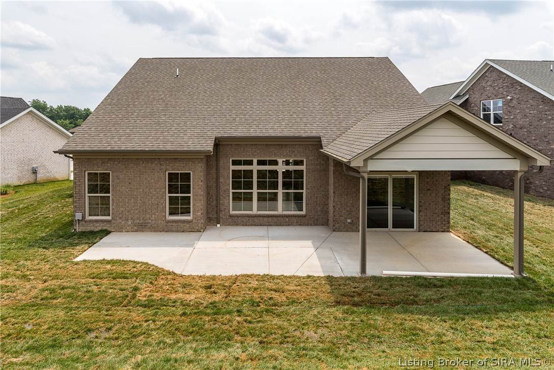 11. Single Family Homes for Sale at 7008 Equine Avenue Sellersburg, Indiana 47172 United States
