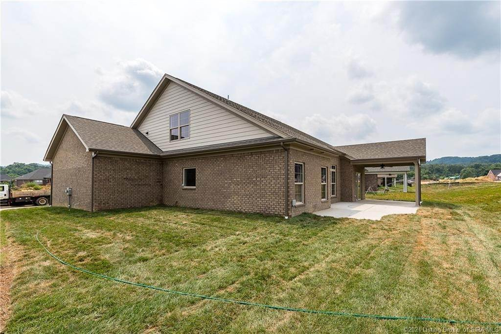 9. Single Family Homes for Sale at 7008 Equine Avenue Sellersburg, Indiana 47172 United States