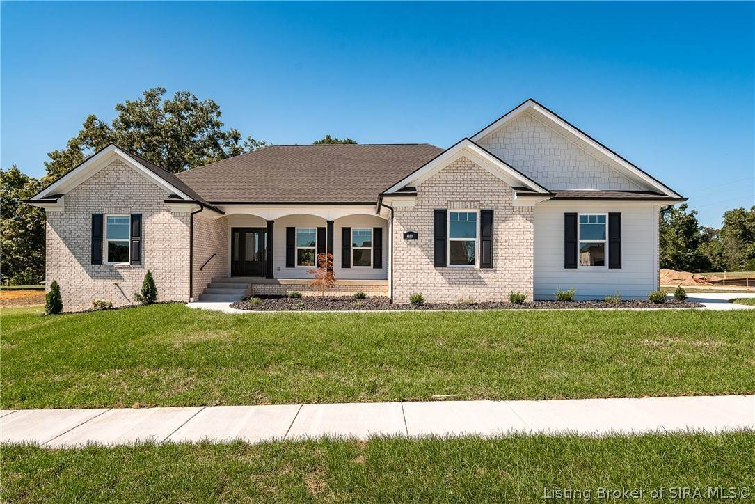 Single Family Homes 为 销售 在 3014 Masters (Lot #13) Drive Floyds Knobs, 印第安纳州 47119 美国
