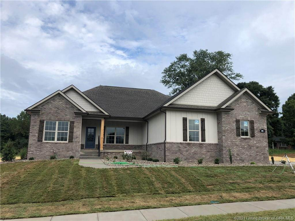 Single Family Homes 为 销售 在 3018 Masters (Lot #11) Drive Floyds Knobs, 印第安纳州 47119 美国